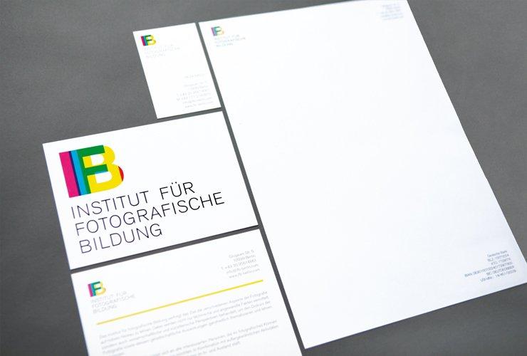 Geschäftsausstattung und Informations-Flyer